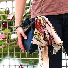 Style innocent  #goodtogo #loveisintheair #scarf #seidentuch  #design #premium #schals #farben #fashion #mode #Muster