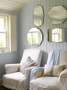 shabby chic hallway - Home Interior Design Ideas Shabby Chic Hallway, Cottage Shabby Chic, Coastal Cottage, Cottage Style, Coastal Living, Vintage Mirrors, Rustic Mirrors, Slipcovers For Chairs, Arm Chairs