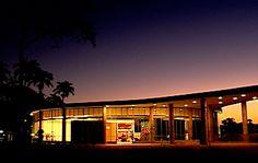 Principais Obras de Oscar Niemeyer - No Brasil e No Exterior - A Casa do Baile traduz a geneliade da do arquiteto em suas curvas em MINAS GERAIS