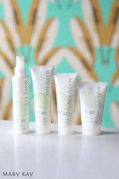 Skin care doesn't have to be complicated. The Mary Kay® Botanical Effects® Skin Care Four-Piece Set is a simple solution with effective results, tailored for your skin type. | Mary Kay