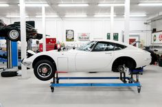 Toyota 2000GT being restored in the UK by  @ToyotaGB