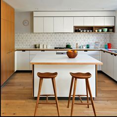Cantilever K3 kitchen featuring Mid-Century kitchen stools | cantileverinteriors.com