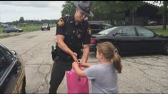 Officer Surprises 9-Year-Old Running Lemonade Stand With Tablet - Yahoo