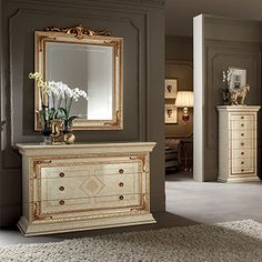The Leonardo bedroom welcomes you with its sense of harmony and splendour. An ambience that expresse the splendour and the quality of neoclassical design. Bedroom Closet Design, Bedroom Furniture Design, Furniture Decor, Italian Furniture, Classic Furniture, Bedroom Sets, Home Bedroom, Dressing Table Design, Dressing Tables