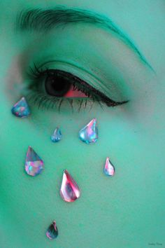 I saved this pin for the,Crystal Tear Drops! not the green face paint. < whoops, I go for the green face paint, just because it's green yay Midna, Ragnor Fell, Miss Martian, Fashion Art, Creepy, Space Grunge, Arte Horror, Vaporwave, At Least