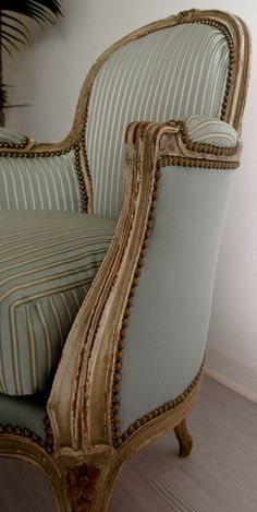 Home decor: such a stately chair .. love the two different fabrics