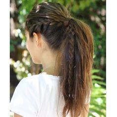 Ponytail Hairstyle Ideas upon Hair Salon Long Island via Hair Salon Manhattan Pferdeschwanz-Frisur-I Ponytail Hairstyles Tutorial, Braided Ponytail Hairstyles, Box Braids Hairstyles, Girl Hairstyles, French Braid Ponytail, Side Braid Into Ponytail, Cool Ponytails, Ponytail Ideas, Braided Buns