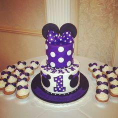 Purple Minnie Mouse Cake & Cupcakes