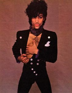 #FavoritePrinceOutfits:  #PRINCE posing in 1983.