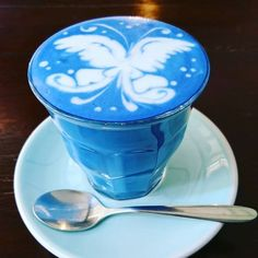 All natural blue matcha & food dye. Create stunning blue matcha teas or use it for delicious blue sweets, smoothies, latte and baking. Coffee Set, Coffee Love, Coffee Maker, Matcha, Blue Sweets, Butterfly Pea Flower Tea, Blue Butterfly, Blue Spirulina, Blue Drinks