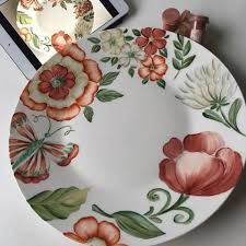 Imagen relacionada Animal Plates, Doodle Inspiration, Pottery Painting, China Porcelain, Decorative Plates, Arts And Crafts, Doodles, Hand Painted, Modern Platters