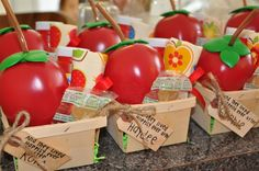 Snow White party favors