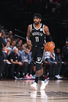 Brooklyn Nets Pictures and Photos - Getty Images Michael Jordan Basketball, Love And Basketball, Nike Basketball, Basketball Players, Basketball Outfits, Basketball Videos, Irving Wallpapers, Nba Wallpapers, Kyrie Irving Logo