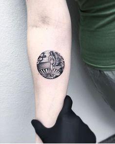 The Birth of Venus tattoo. Venus Tattoo, Aphrodite Tattoo, Pretty Tattoos, Beautiful Tattoos, Cool Tattoos, Tatoos, Piercings, Piercing Tattoo, Birth Tattoo