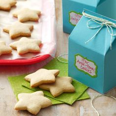 Star Anise-Honey Cookies Recipe -When I was growing up, my mother made many… Christmas Desserts Easy, Christmas Treats, Christmas Baking, Simple Christmas, Christmas Cookies, Xmas Food, Christmas Recipes, Diy Christmas, Holiday Recipes