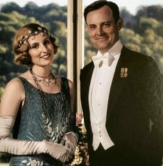 Bertie and Edith in the upcoming movie 🎥 Are you happy that these two ended up together or did you prefer Edith with one of her former… Downton Abbey Costumes, Downton Abbey Fashion, Edith Crawley, Julian Fellowes, 20s Flapper, People Icon, Lady Mary, Beautiful Costumes, Romance Movies