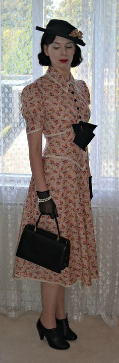 Dress from Lutterloh 1941 patternbook #vintage #sewing #1940s