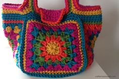 The retro granny stash bag pattern can be adapted to make smaller bags - like this crochet festival bag in bright Deramores Studio Chunky yarn. Crochet Diy, Mode Crochet, Bag Crochet, Crochet Shell Stitch, Crochet Handbags, Crochet Purses, Crochet Granny, Crochet Stitches, Crochet Patterns