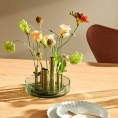New Decorative Accessories by Jaime Hayón for Fritz Hansen Dining Room Light Fixtures, Dining Room Lighting, Japanese Flowers, Japanese Art, Glass Tray, Glass Vase, Decorative Accessories, Home Accessories, Flower Places