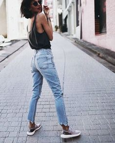 Simple black tee high waisted jeans sneakers