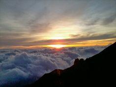 Sunrise dari Watu Gajah Merapi