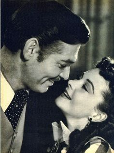 """Clark Gable y Vivien Leigh en """"Lo Que el Viento se Llevó"""" (Gone With The Wind), 1939 Vivien Leigh, Divas, Clark Gable, Old Hollywood Stars, Classic Hollywood, Old Movies, Great Movies, Rhett Butler, Tomorrow Is Another Day"""