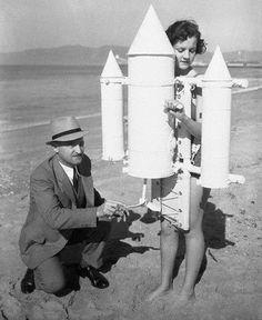 """ - America's first leap into space, February Santa Monica, California. Santa Monica, What Do You Mean, Pulp, Bizarre, Veronica Lake, Scene Photo, Louise Brooks, Grafik Design, Dieselpunk"
