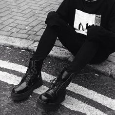 Our selection of footwear includes the Original Wulfrun Creepers, the Original Steel cap boots, the Winklepickers and more. Grunge Outfits, Grunge Boots, Fashion Outfits, Kpop Fashion, Fall Outfits, Alternative Girls, Alternative Outfits, Alternative Fashion, British Army Boots