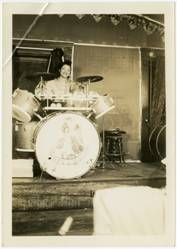 Drummer Pauline Braddy (Williams) rivaled Gene Krupa and was respected for her incredible skill. 40s Music, Big Band Leaders, Vintage Drums, Jazz Artists, Vintage Black, Music Instruments, The Incredibles, Musicians, Drummers