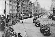May 1940. German troops enter Amsterdam via Damrak after capitulation of Dutch armed forces. #amsterdam #worldwar2