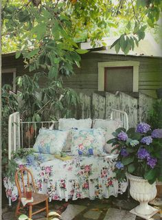Dutch Door Cottage: A New Magazine for Vintage Style Lovers!