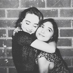 Rowan Blanchard and Sabrina Carpenter don't just play best friends on the hit show, Girl Meets World, but these co-stars actually are besties IRL! Bff Pics, Best Friend Pictures, Bff Pictures, Cute Bestfriend Pictures, Two Best Friends, Girl Meets World, Boy Meets, Sabrina Carpenter, Cute Friendship Pics