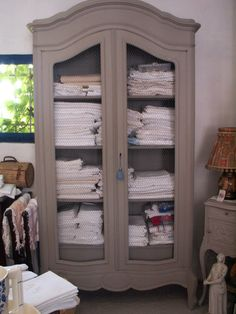 1000 images about chambre camille on pinterest viola - Relooking armoire ...