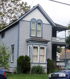 Folk Victorian bay window example | Exterior Paint Color ...