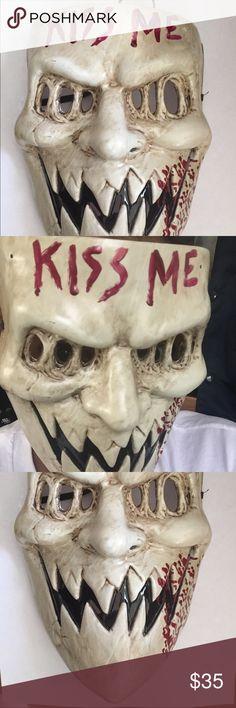 The purge 3 kiss me mask Halloween Mask the purge kiss me ma Group Halloween Costumes, Halloween Food For Party, Halloween 2017, Halloween Masks, Diy Costumes, Scary Halloween, Halloween Crafts, Halloween Makeup, Elf Shirt