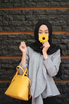 Hijab _ Grey _ Black _ Yellow