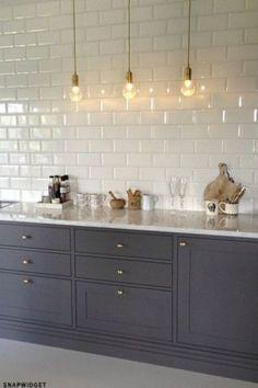 Exciting subway tile backsplash for kitchen decor ideas 32