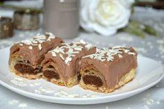800 g aluat foietaj  4 albusuri  100 g za Something Sweet, Pie, Desserts, Food, Torte, Tailgate Desserts, Cake, Deserts, Fruit Cakes