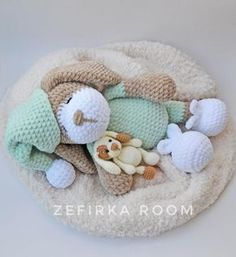 Right here you can see how to make this sweet bears amigurumi. The size of finished toy is about 13 cm. Free amigurumi teddy bear pattern by Nelly Handmade. Chat Crochet, Crochet Teddy, Crochet Bunny, Crochet Toys, Free Crochet, Crochet Snowman, Easy Crochet, Crochet Dolls Free Patterns, Amigurumi Patterns