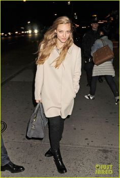 How does one take such a great candid photo?? Amanda Seyfried