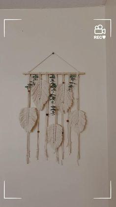 Macrame Wall Hanging Patterns, Macrame Art, Macrame Design, Macrame Projects, Macrame Patterns, Wall Hanging Decor, Macrame Jewelry, Wall Hangings, Wall Decor