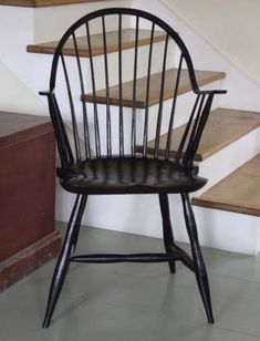Craft a Timeless Rocking Chair - Canadian Woodworking Magazine Primitive Dining Rooms, Primitive Furniture, Country Furniture, Fold Up Chairs, Folding Chair, Chinoiserie, Canadian Woodworking, Chair Parts, Bedroom Furniture Sets