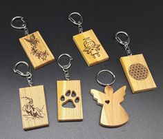 Schlüsselanhänger aus Holz mit Laser Gravur personalisierbar
