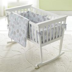 Jolly Jumper(MD) - Berceau et matelas fini blanc 'Mission' - Sears Baby Bassinet, Baby Cribs, Baby Craddle, Cradle Bedding, Handmade Baby Quilts, Jumper, Mini Crib, Thing 1, Nursery Inspiration