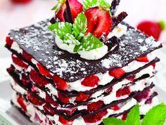 Millefeuilles de chocolat à la fraise une douceur gourmande du printemps Les recettes de cuisine et mets