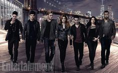 OH MY GOD ALEC AND MAGNUS ARE HOLDING HANDS!!!! AHHHHHHHH!!!!!!!!!