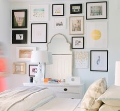 gallery wall in the bedroom #decor #frames #walls #paredes #quadros