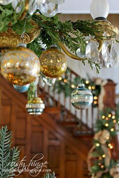 2014 Holiday Housewalk Stop #13 ~Decking These New Halls! | rusty hinge