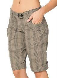 Bermudas Femininas - Fotos e Modelos Plaid Fashion, Fashion Pants, Trousers Women, Pants For Women, Modelos Fashion, Latest African Fashion Dresses, Linen Shorts, Short Outfits, Short Skirts