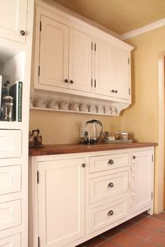sink unit and wall cupboards.jpg (333×500)